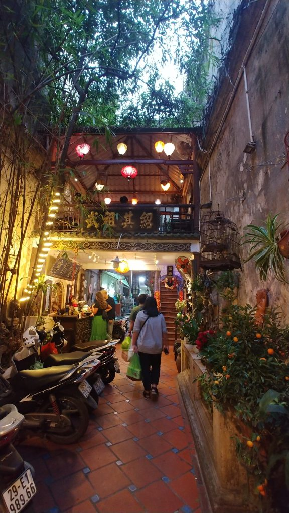Cafe Pho Cho, Coffee Shop in Hanoi, Coffee Shop in Vietnam